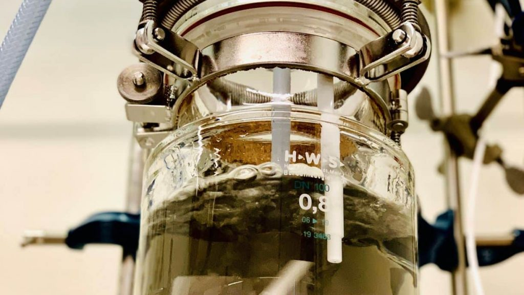 Launch reactor for graphene production